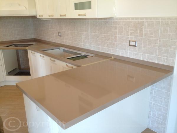 Top cucina pietra lavica lavorazione marmi sergio - Top cucina materiali ...