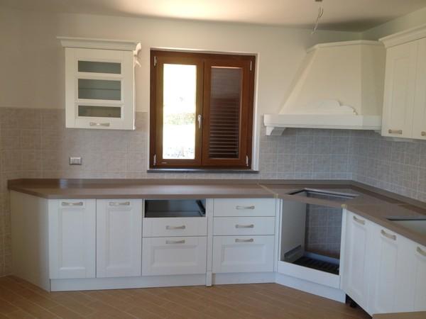 Top cucina pietra lavica lavorazione marmi sergio - Vendita top cucina ...