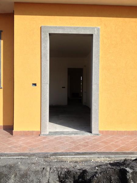Cornici pietra lavica lavorazione marmi sergio grasso srl pietre graniti onici okite - Cornici per finestre esterne prezzi ...