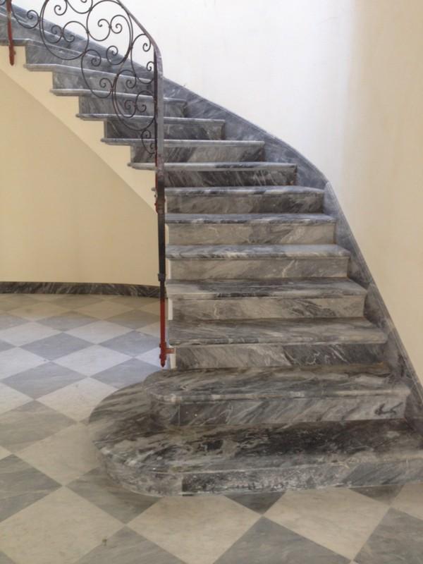 Scale Interne Pietra Lavica Lavorazione Marmi Sergio Grasso Srl