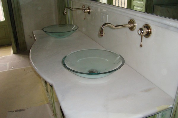 arredo bagni in marmo e pietre - Pietra lavica -Lavorazione marmi ...