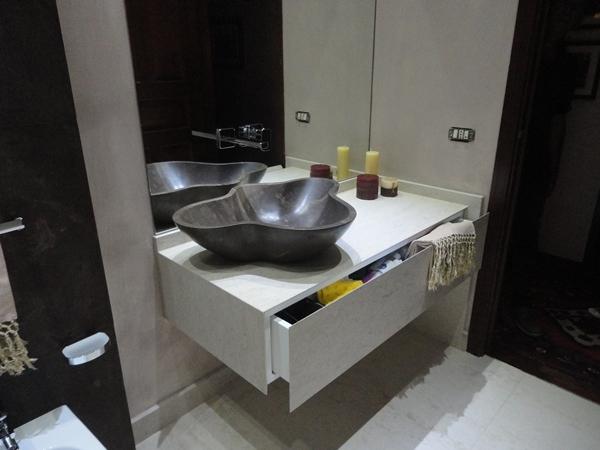 Arredo bagno in marmo e pietre naturali catania for Arredo bagno catania