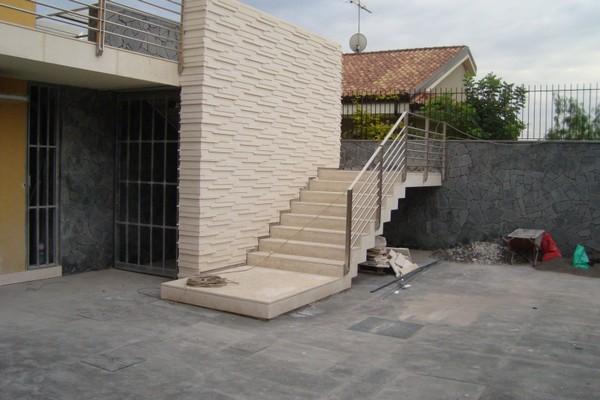 Scale esterne in marmo o in pietra pietra lavica - Scale esterne moderne ...