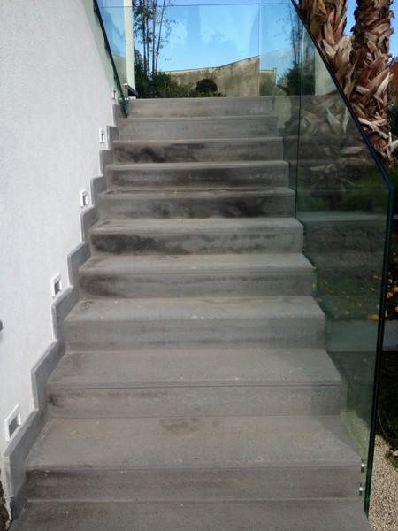 Eccezionale scale esterne in marmo o in pietra - Pietra lavica -Lavorazione  MW62