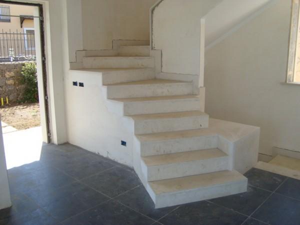 Scale pietra lavica lavorazione marmi sergio grasso - Scale interne pietra ...