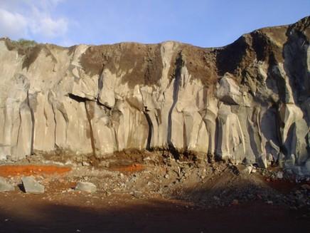 Cave di pietra lavica